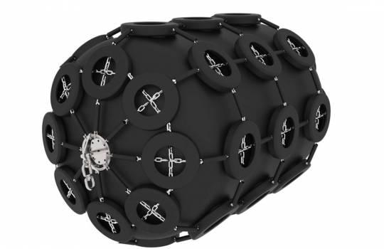 Fendertec marine fendering - Pneumatic fenders with tire net